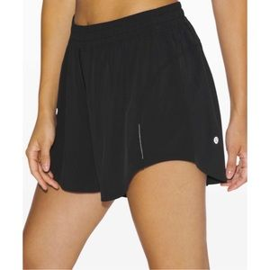"Lululemon Always Airy Run Short 3.5"" Black"